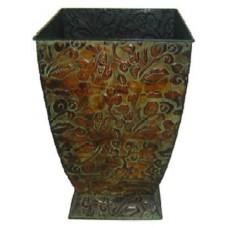 Elegant square metal planter